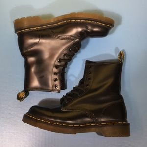 DM Dr Martens Black Leather Lace Up Boots 6 Ladies